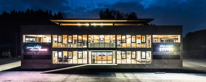 Red Bull Holzhaus