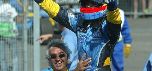 Video: Meet the Renault F1 team thumbnail
