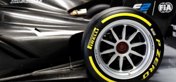 Video: Renault tests 18 inch tires for F1 season 2021 thumbnail