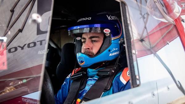 Alonso: Dakar ni medijski šov, kot se jih gre Hamilton z Rossijem