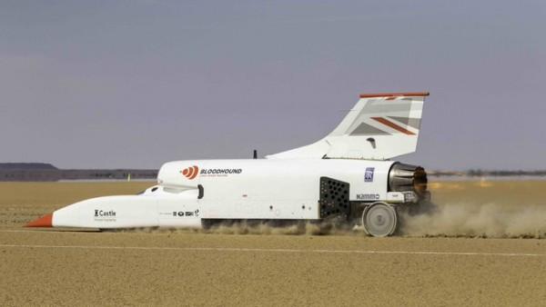 Video: Super vozilo v puščavi doseglo hitrost 1010 km/h
