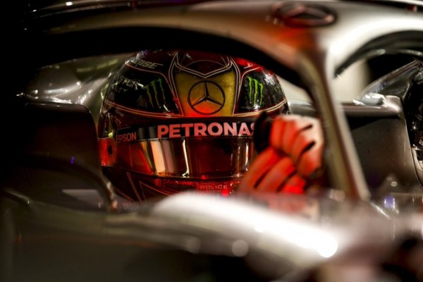 Hamiltonu zadnji pole position sezone 2019, nov spodrsljaj Ferrarija