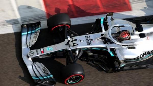 Video: Koliko je Ferrari hitrejši na ravninah in koliko Mercedes v ovinkih