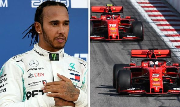 Se Lewis Hamilton za sezono 2021 pogaja s Ferrarijem?