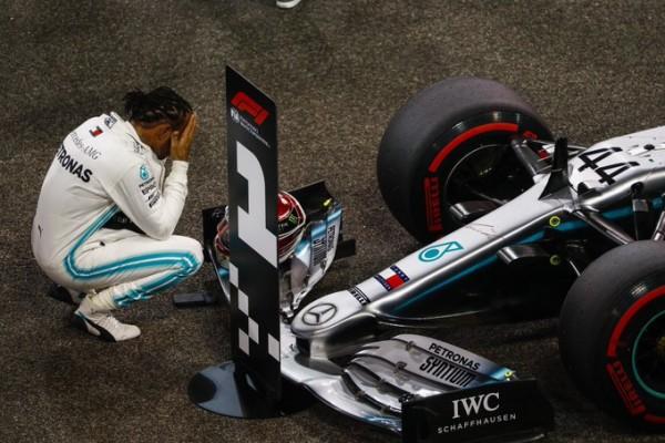 Komentar dirke: Neustavljivi Hamilton, zmeda pri Ferrariju