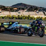 Foto in Video: Hamilton in Rossi zamenjala svoja dirkalnika