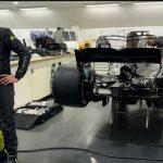 Video: Prvi posnetki menjave dirkalnikov Rossija in Hamiltona